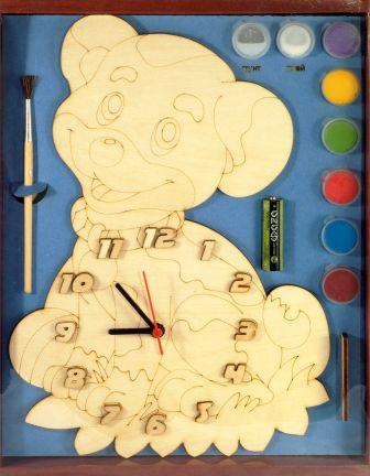 Часы с циферблатом под роспись. Собачка