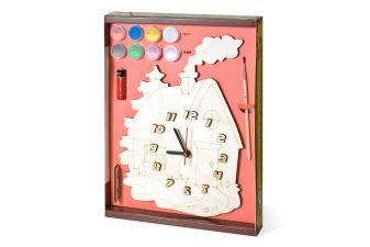 Часы с циферблатом под роспись. Домик
