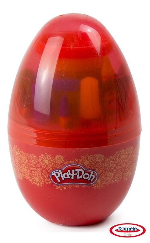 """Набор Play doh """"Сюрприз в яйце"""", 6 маркеров, 6 восковых мелков, 6 листов бумаги, паста для лепки."""