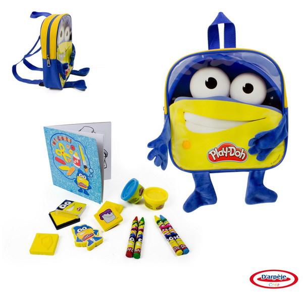 Набор Play doh Рюкзачок для мальчика с плюшевыми ручками и ножками, 4 марки, блокнот, 4 восковых мелка, книжка для раскрасок, 2 цвета пасты для лепки.